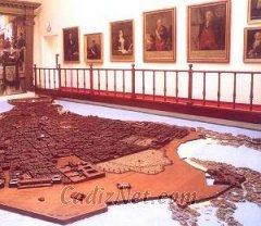 Cadiz:La popular Maqueta de Cádiz (siglo XVIII) que preside la primera planta del Museo