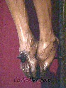 Cadiz:La magnífica factura del Cristo de la Buena Muerte puede contemplarse en este detalle de los pies